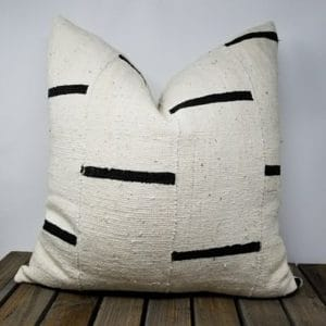 Davu pillow white with black stripe details